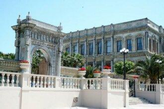 Дворец Долмабахче. Турция, ур в Турцию, достопримечательности Турчии, что посмотреть в Турции